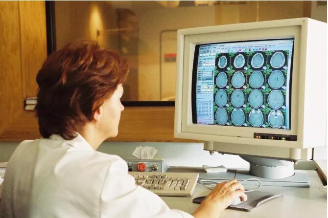 卵巢恶性肿瘤有哪些特点?